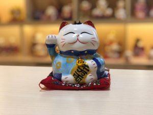 mau xanh da troi cho nhung cap moi cuoi 300x225 - Chọn Mèo May Mắn Làm Món Quà Dành Tặng Người Thân, Bạn Bè