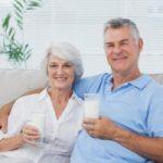 Top 7 Loại sữa dành cho người già tốt nhất hiện nay