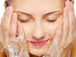 Top 12 Sữa rửa mặt dành cho bà bầu an toàn mà hiệu quả cao