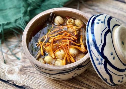 Tổ yến, bồ câu hầm đông trùng hạ thảo món ăn bổ dưỡng